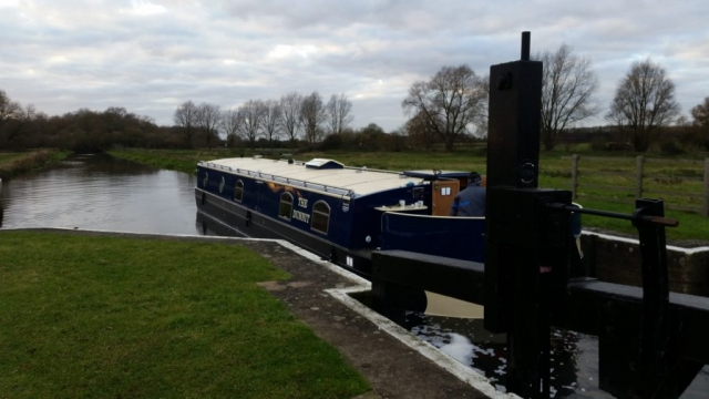 Move widebeam to White Mills Marina